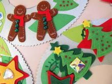 Fun Christmas Wreaths is a festive Xmas Craft Session for all ages and abilities.  We always bring lots of colourful, textured decoration materials to catch the eye and get people interested in looking and making something to take home.